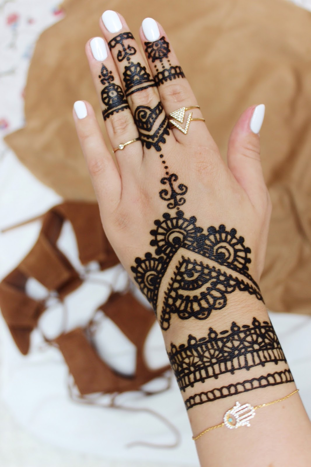 henna muster das bild wird geladen with henna muster. Black Bedroom Furniture Sets. Home Design Ideas
